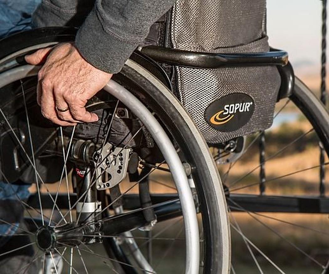 Historia de la silla de ruedas