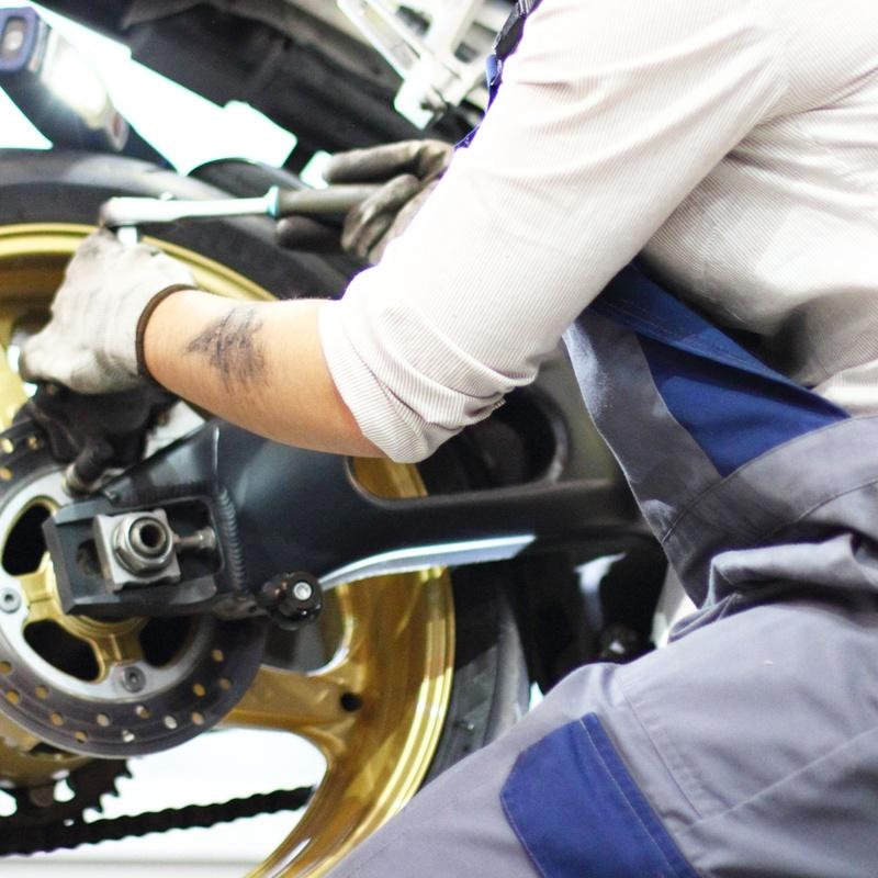 Reparaciones de motos: Servicios de TALLERES COYOTE