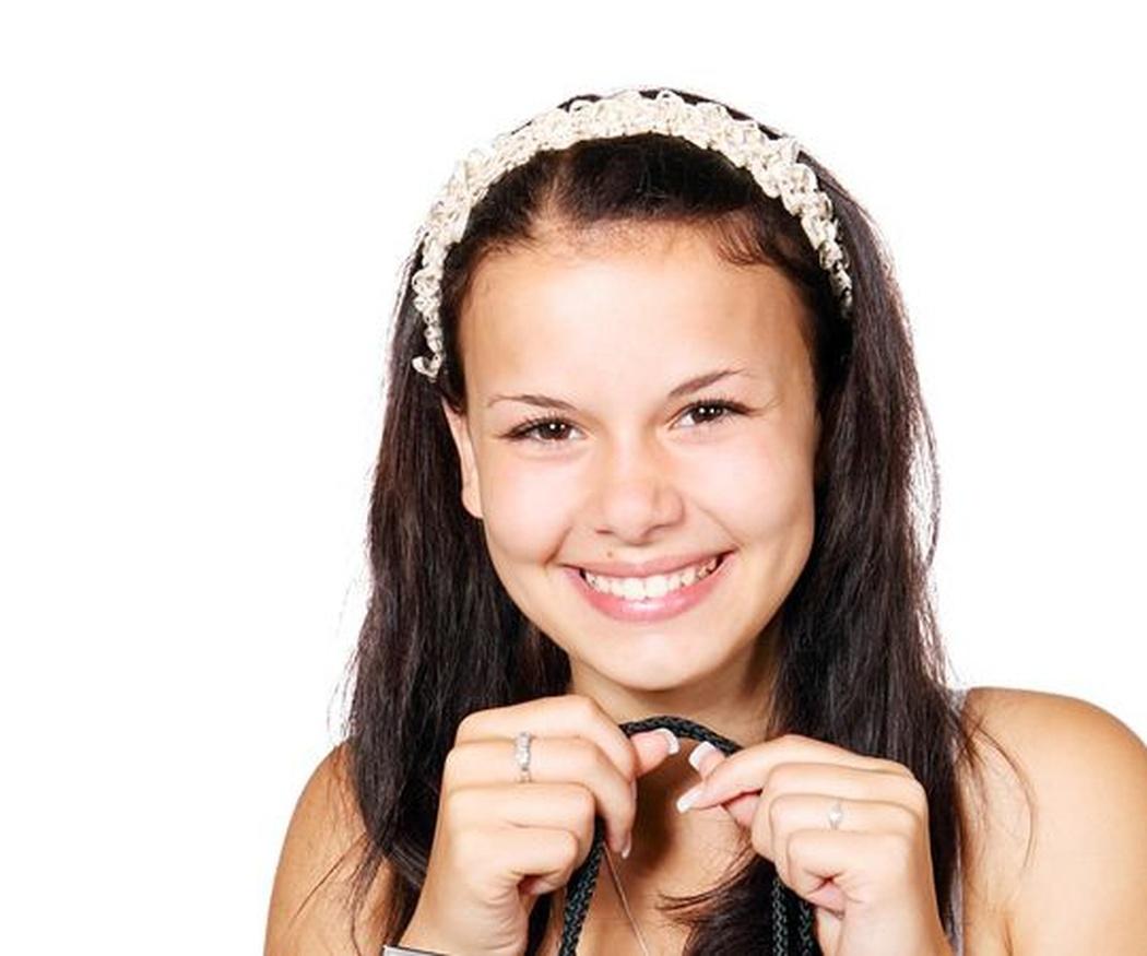 ¿Qué determina la tonalidad de los dientes?