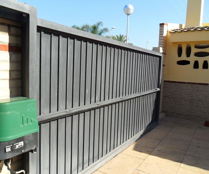 PUERTAS CANCELAS: Servicios de Exposición, Carpintería de aluminio- toldos-cerrajeria - reformas del hogar.