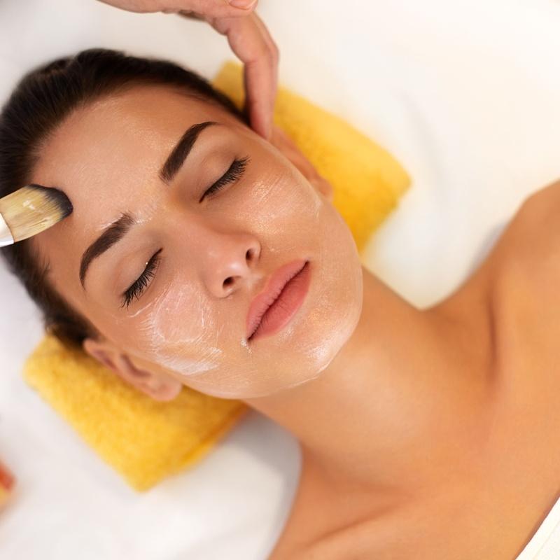 Limpieza facial con hidratación: Servicios y tratamientos de Ameli Style Salón de Belleza