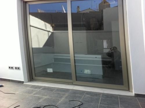 Puerta de aluminio para terraza