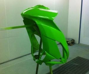 Plásticos y pintura de motocicletas