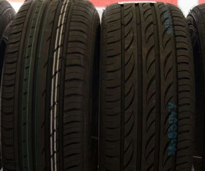 Neumáticos: Servicios de Talleres Agustín y Félix