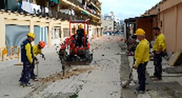 Pavimento de Hormigón Impreso _ Pavimento de Hormigón Estampado - Trabajos Verticales Florinity.mp4