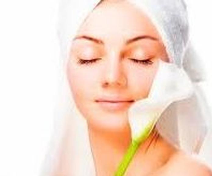 "Limpieza de Cutis ""Beauty"" Terapia LED: Tratamientos  de Cellulem Estética"