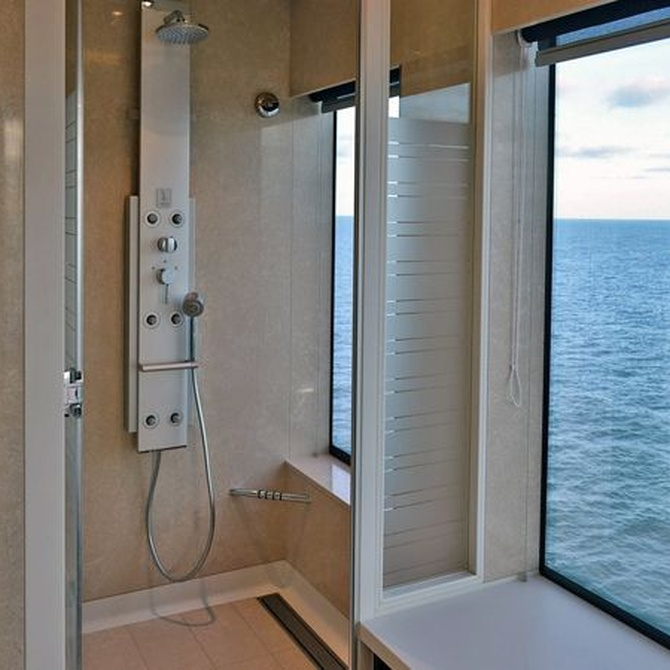 Razones para instalar una mampara de baño
