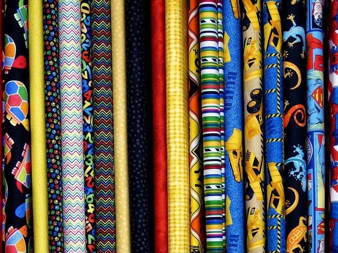 ¿Tienes una tienda de ropa y necesitas un servicio de arreglos y retoques?: Servicios de Sews - taller de costura, arreglos de ropa