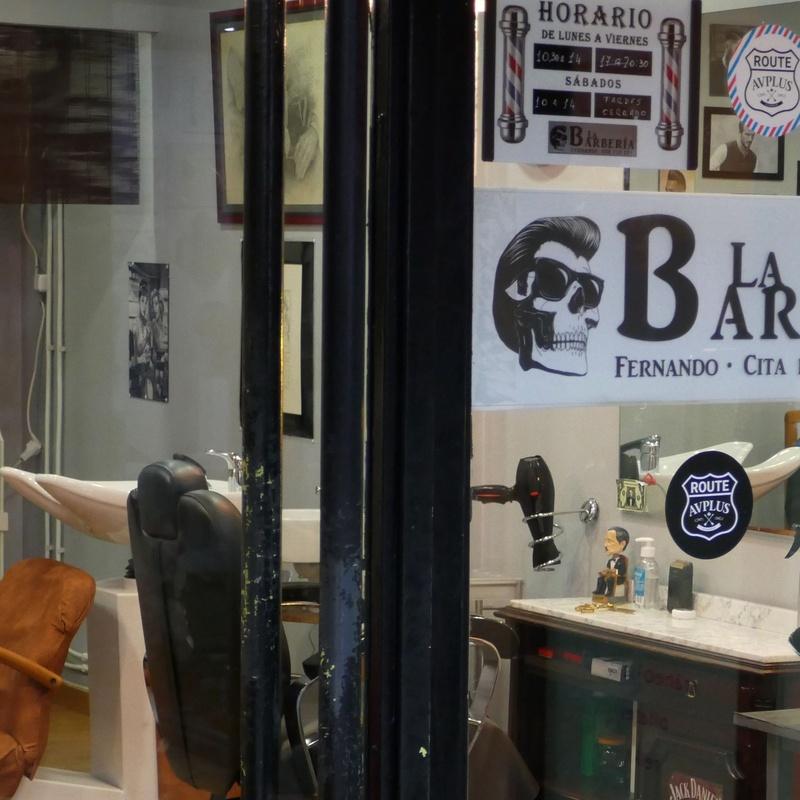 La Barbería Baioni: Tiendas de Zoco Villalba