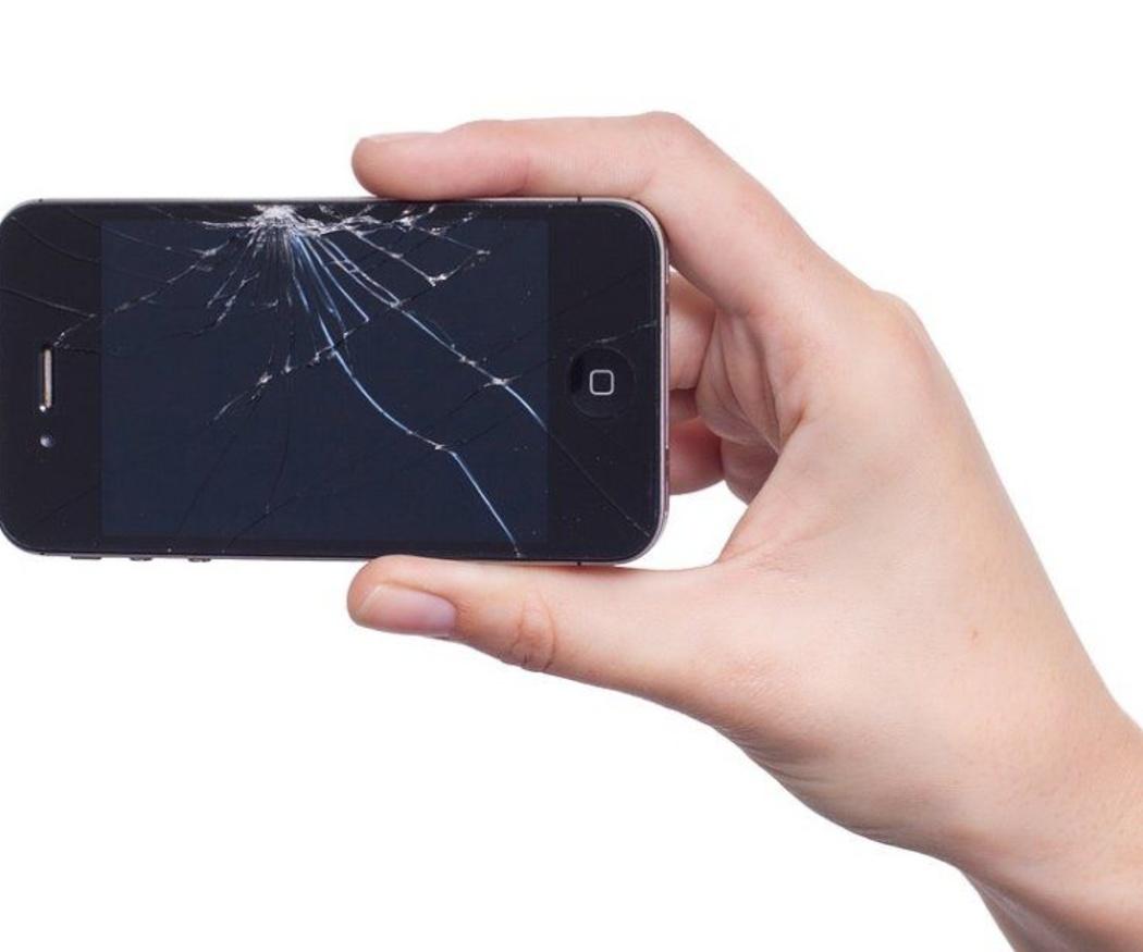 ¿Pensando en reparar tú mismo el móvil? Primero lee estas advertencias