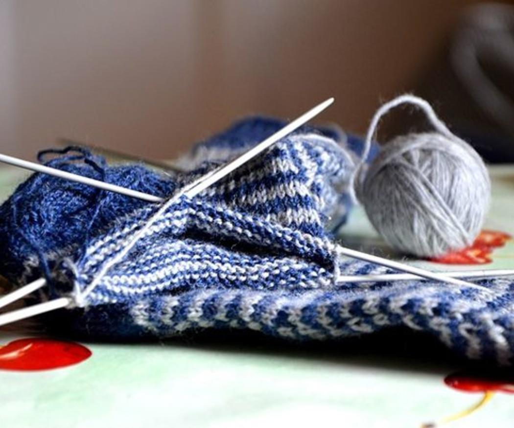 Beneficios de tejer para tu salud física y mental