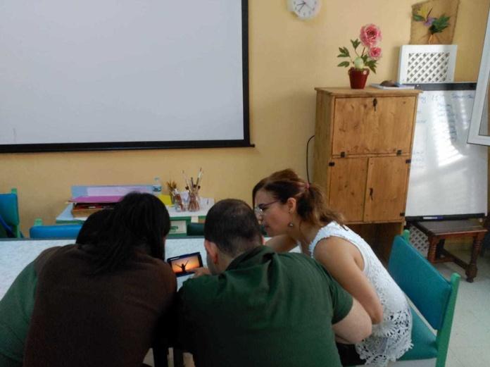 Uso de nuevas tecnologías en C.O. La Victoria: Proyectos y Servicios de Asociación Domitila