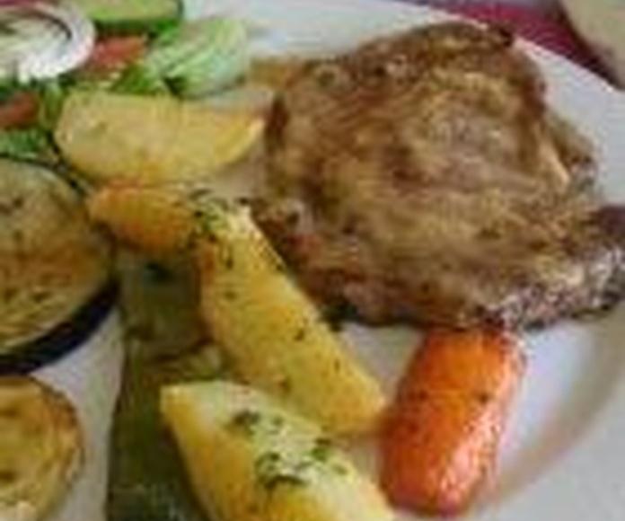 Pescados y carnes: Nuestros platos de Cheers Salud Na Zdorovie