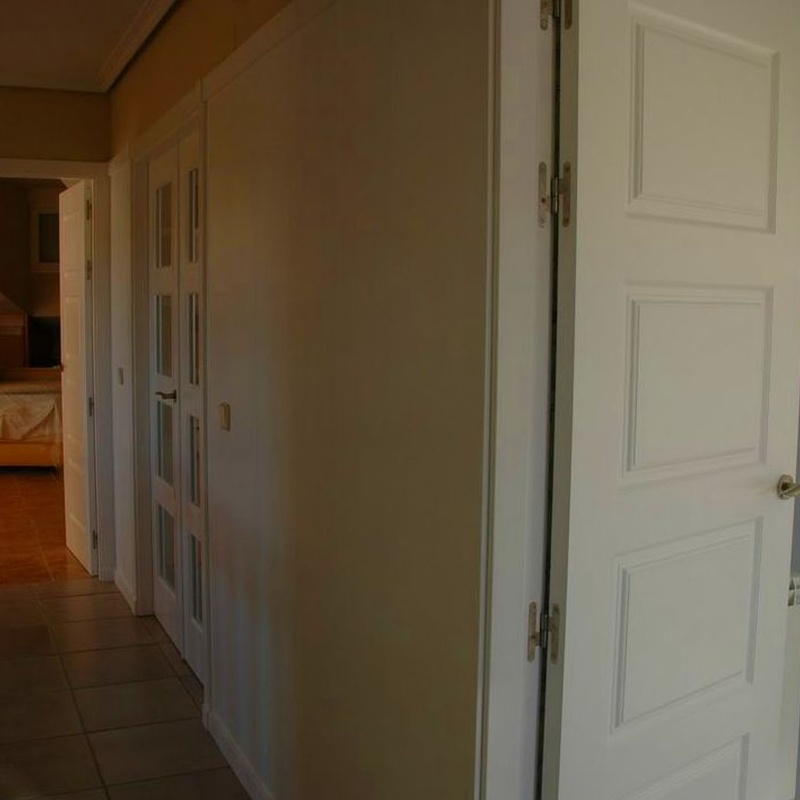Puerta lacada en blanco mod. 9400