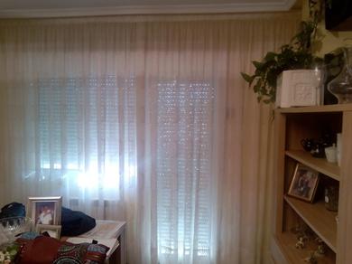 cortina con dibujo geométrico