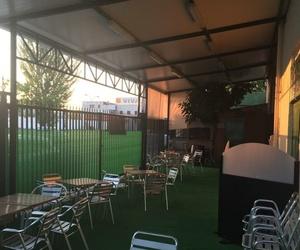 Restaurante y marisquería con amplias terrazas en San Fernando de Henares