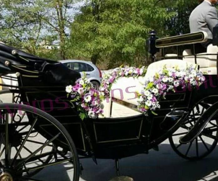 Decoración floral coches de caballos Gines