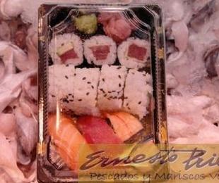 Bandeja de sushi variado