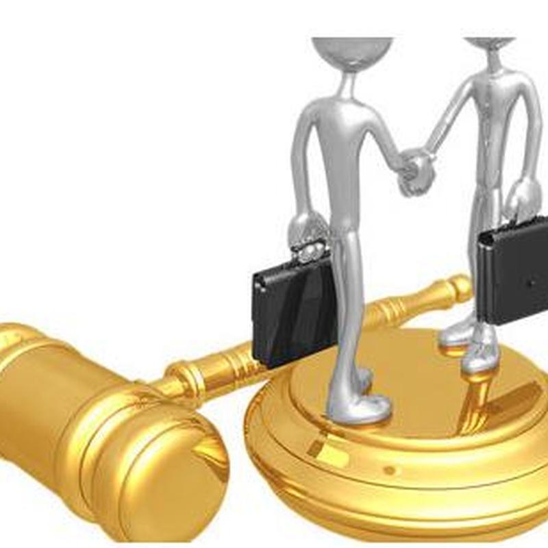 Laboral: Nuestras especialidades de Clam Advocats, S.C.C.L.