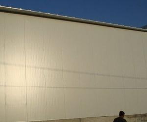 Cerramiento planta frigorífica