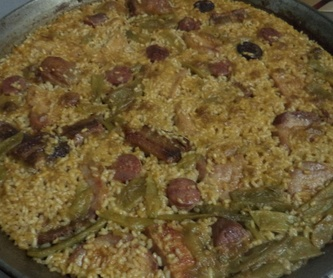 arroz de la abuela,con costilla, lomo y longaniza de adobo