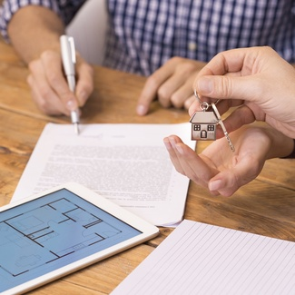 Tengo un piso con contrato de arrendamiento ¿tengo la obligación de hacer el certificado energético?