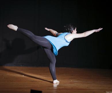 Clase de iniciación de Danza Contemporánea