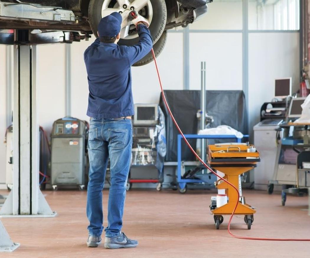 El cambio de neumáticos antes de hacer un viaje largo