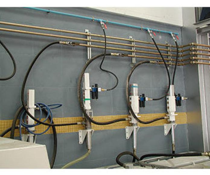 Instalaciones de aire comprimido o de suministros y aspiración de lubricantes.