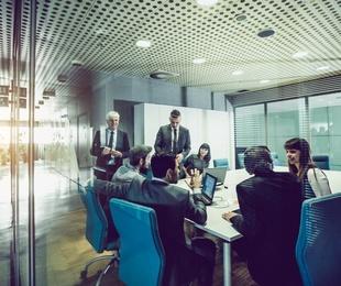 Dirección de negocios