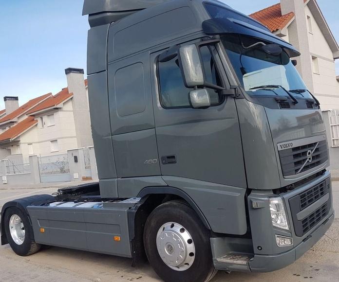 VOLVO FH13 460 con RETARDER: Vehículos industriales de Emirtrucks Trading