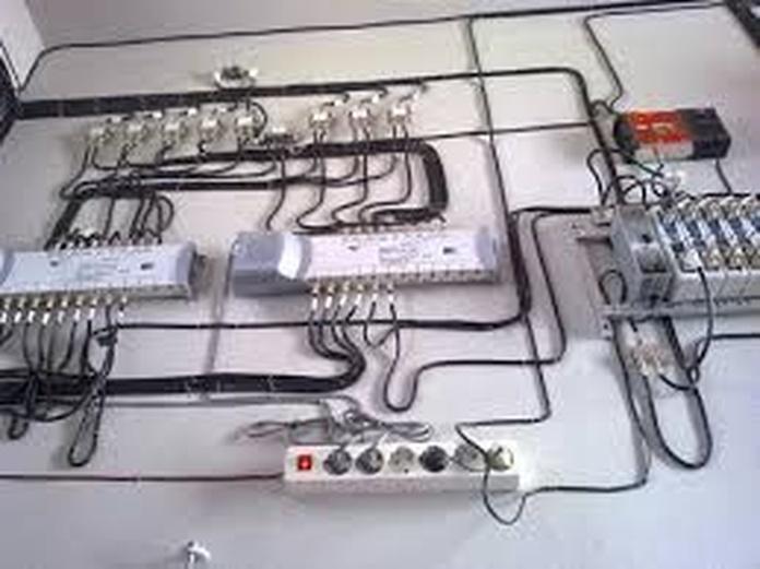 Instalaciones de TV y telefonía: Servicios de Electricista Ona