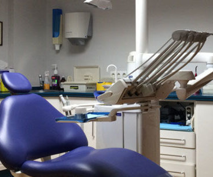 Clínica dental: Tratamientos de Clínica Saúco