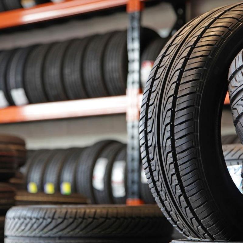 Venta de neumáticos nuevos y ocasión: Servicios de Auto - Rex Beniparrell