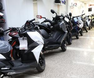 Comercializamos vehículos de dos ruedas de máxima calidad