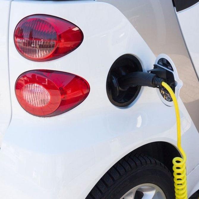 Sigue creciendo el mercado del coche eléctrico en España