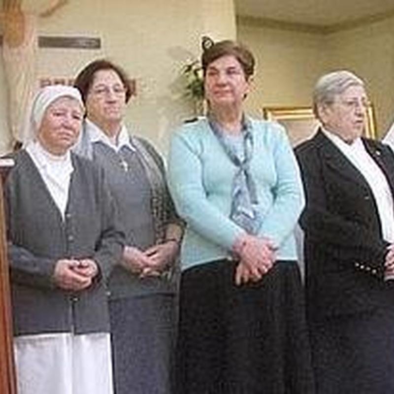 Servicio Religioso: Servicios Residencia y CD. de Residencia y Centro de Día Santa Ana