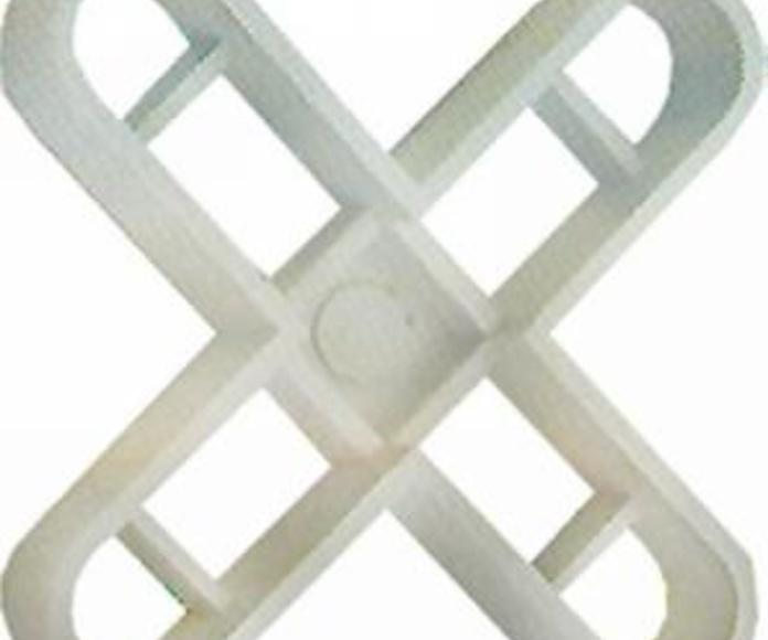 Crucetas: Servicios de Hnos. López Materiales de Construcción