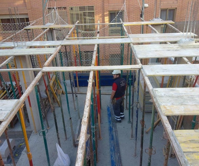 Construcción de estructuras.: Trabajos de Construcciones Reformas Hermanos Bordetas