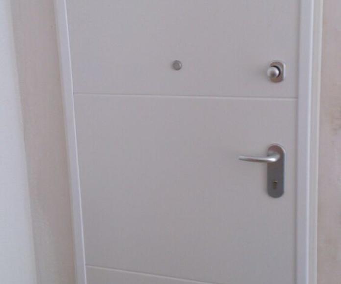 Puertas acorazadas: Catálogo  de Cerramientos Monteval