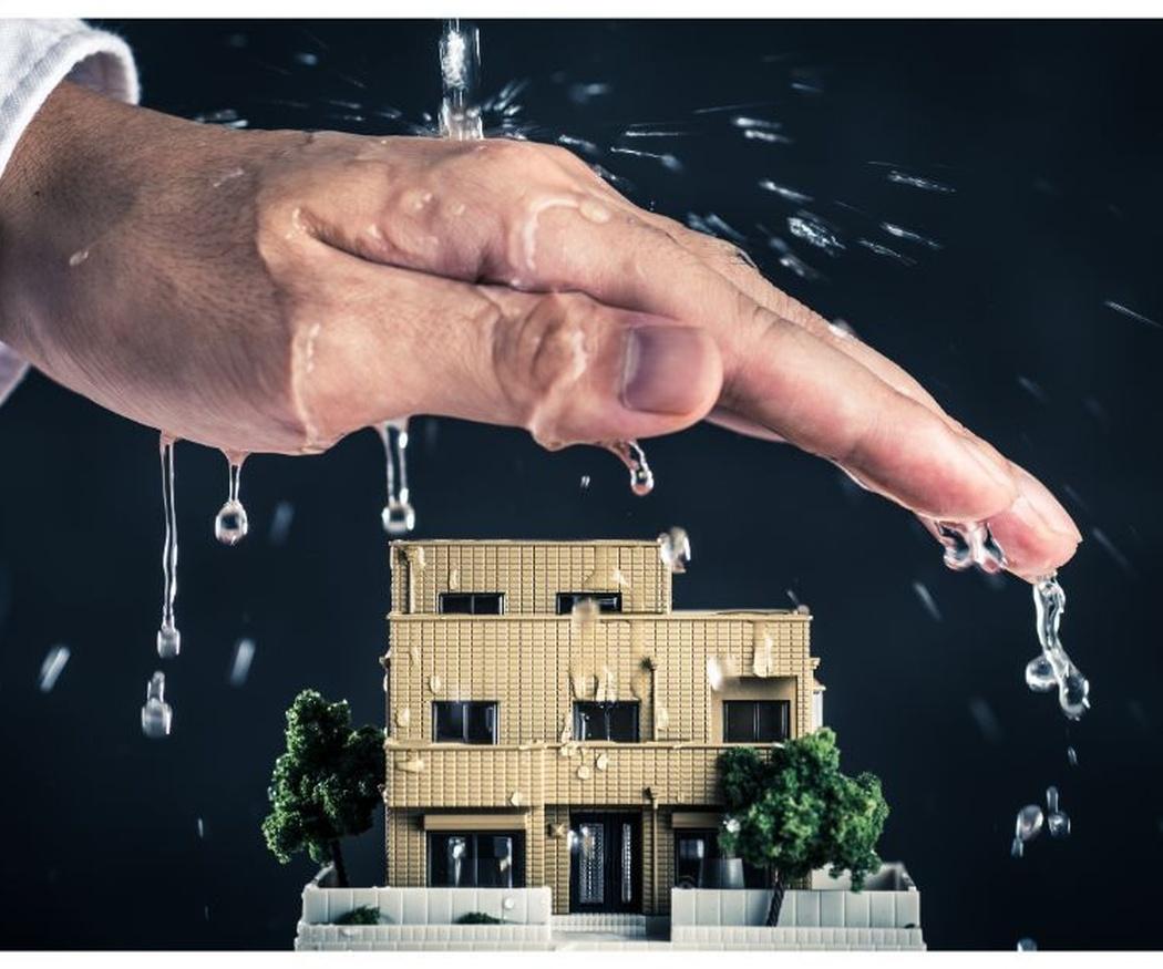 ¿Qué daños puede provocar la lluvia en la cubierta de tu edificio?