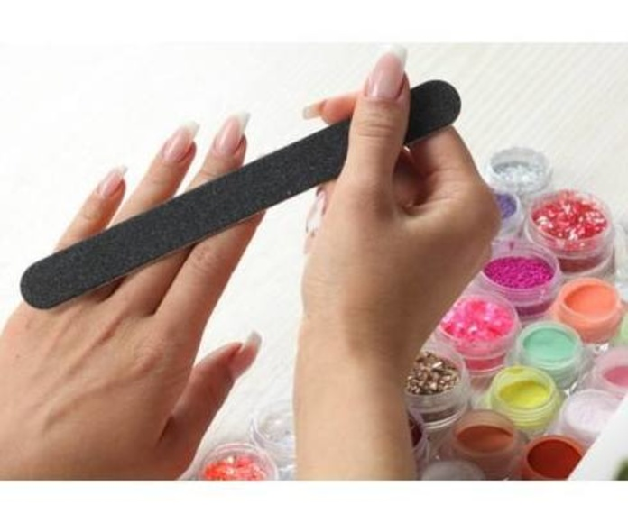 Manicura y Pedicura: Productos y servicios de Antonio Peluquero
