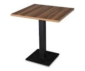 Mesa de madera con una única pata