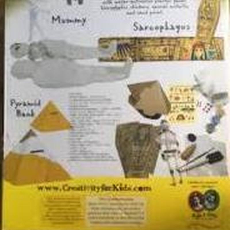 Haz una momia, un sarcófago y una piramide. MUMMIES & MORE