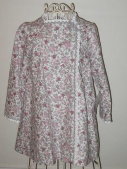 Vestido flores rosas y fresas: Catálogo de Ste Odile Decoración