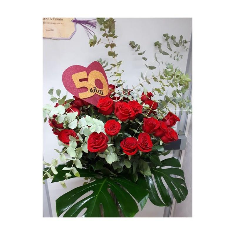 Cincuenta rosas para celebrar los cincuenta años de pasión