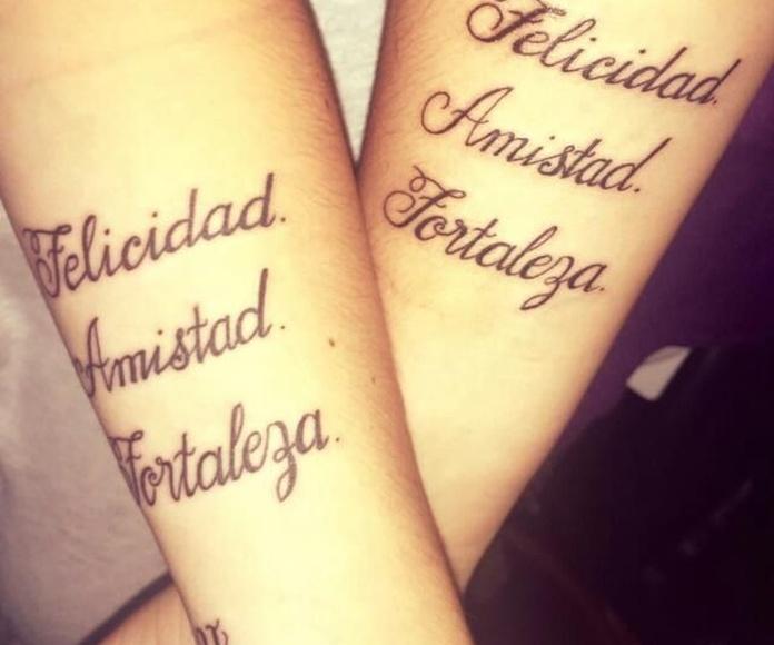 Lettering: Tatuajes y Piercings de Arise
