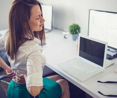 Los problemas de salud derivados del sedentarismo laboral afecta a la productividad del 50% de los t