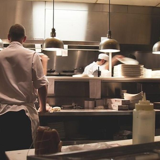 Las ventajas del acero inoxidable en las cocinas profesionales
