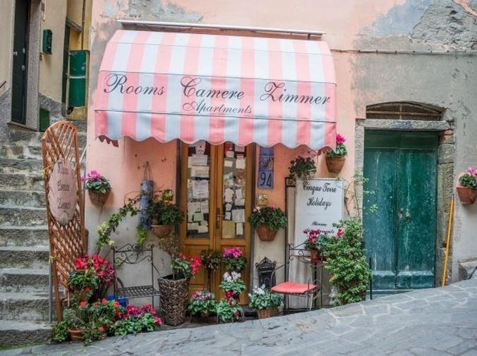 El encanto de los toldos capota para ventanas y comercios